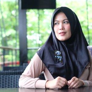 model-bros-batik